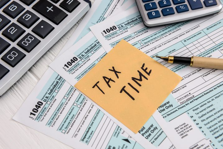 'Tax time' memo on 1040 individual tax form